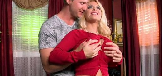 There had only been one cock in Holly Halston's well-fucked, tight pussy for over ten years--the cock of her husband Troy. Holly and Troy decided to let SCORE studs have a go at her for the first time in her porn career. After the success of the DVD M...