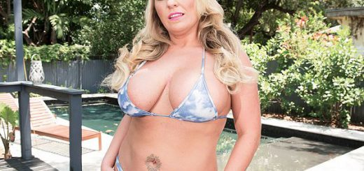"<p><a href=""http://join.scoreland.com/strack/dmature.4.2.2.1.7030741.0.0.0/scoreland/4/0/home/"">Blonde & Busty In Kentucky</a></p><a href=""http://join.scoreland.com/strack/dmature.4.2.2.1.7030741.0.0.0/scoreland/4/0/home/""><img src=""http://freenaturals.com/wp-content/uploads/2017/06/posting_55580_xl.jpg"" width=""600"" height=""450"" alt=""Blonde & Busty In Kentucky"" /></a> <br><p><i>SCORELAND</i>'s next newcomer is <a href=""http://www.scoreland.com/big-boob-models/Chrissy-Monroe/8160/?nats=dmature.4.2.0.1.7030741.0.0.0"">Chrissy Monroe</a>.<br><br> ""I used to be an exotic dancer. I danced for about nine years. I'm currently at the Love Ranch North brothel in Moundhouse, Nevada. I found out about SCORELAND through a photo shoot with Lance Kincaid."" <br><br> Chrissy lives in Kentucky. She enjoyed her first time visiting Miami to shoot with <i>SCORE</i>. <br><br> ""I love to work out and watch football. My favorite team is the Greenbay Packers. In my personal time, I love gardening and traveling. When I can, I love to sunbathe in the nude.""<br><br> Chrissy tries on tiny bikinis at poolside, oils up her big tits and fingers herself to a cum. She'll be back doing a hardcore scene with porn cock.<br><br> (Editor's note: Lance photographed Rachel Love, Jordan Hart and many other <i>SCORE</i> and <i>Vmag</i> Girls in the 1990s.)   </p><br><br><p><a href=""http://join.scoreland.com/strack/dmature.4.2.2.1.7030741.0.0.0/scoreland/4/0/home/"">See More of Chrissy Monroe at SCORELAND.COM!</a></p>"